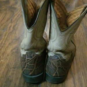 Ariat Shoes - Ariat cowboy boots